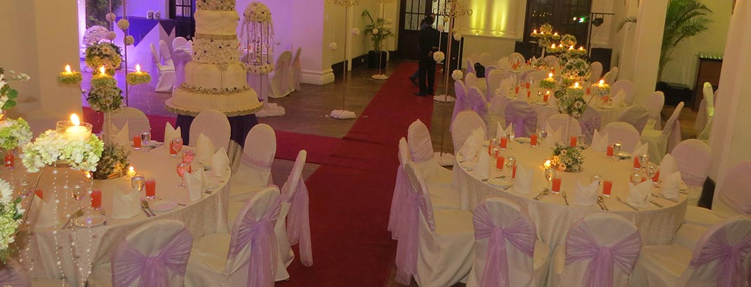 Wedding Cake and Table Setting in Horizon Room at Mount Lavinia Hotel